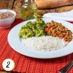 Carne moída com cenoura e vagem, brócolis ao alho, arroz e feijão