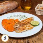 Filé de Saint Peter grelhado, arroz de salsinha e cenoura com mostarda e balsâmico